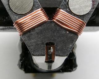 Special coil bobbin of XV-1sMONO MC Cartridge